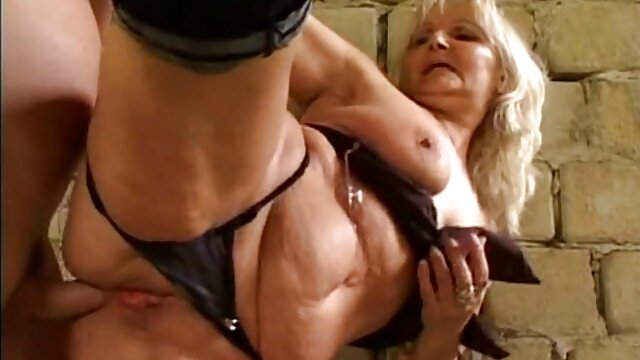 Analmassage für pornofilme mit reifen damen erfahrene Finger