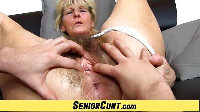 exklusiven Pinkeln video pornos von älteren frauen