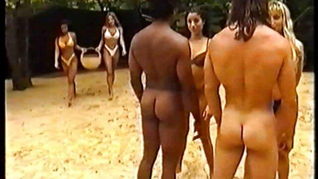 spielen Sie mit gratis pornofilme mit reifen frauen Ihrer nassen pussy und erstaunliche große Titten