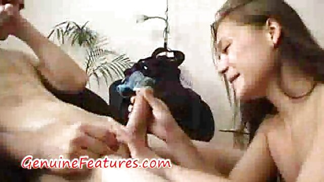 Brazzers - & Mia Lelani teilen pornofilme mit älteren damen sich einen Schwanz