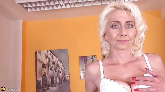 Drei dildos in zwölf verschiedenen reife frauen pornofilme Positionen