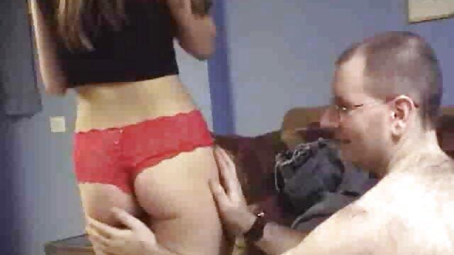 Blonde Frau ist pornos ältere damen auf der Suche nach einem pounding