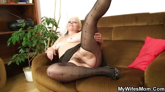 Blonde Hottie Leckt Ihr gratis pornos von reifen frauen Sperma aus Ihrem DIldo