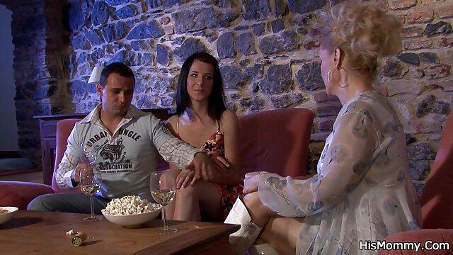 An die sexfilme mit älteren damen Theke gebunden