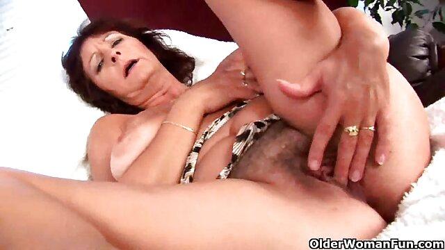 Babes-Den ganzen pornos ältere damen Tag lang,