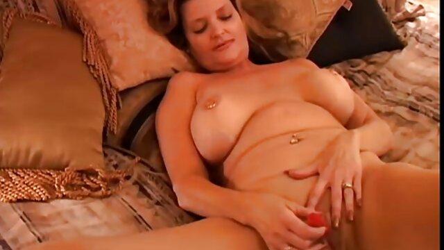 Hot babes, Ania frauen ab 50 pornos und Sonia mit Ihrem ersten Dreier