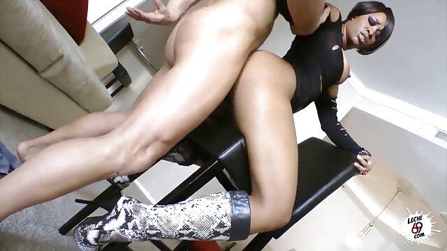 Schlank und Klein Titted Nelya Jordan Nimmt einen Großen Schwanz in pornos mit älteren frauen den Mund und Fotze