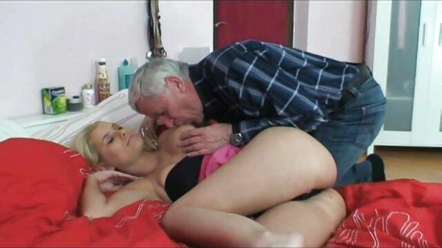 Extreme amateur slave pornos mit frauen ab 40 doppelt gefistet in beiden